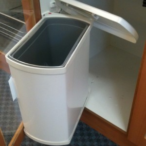 18 litre Swing Out Bin